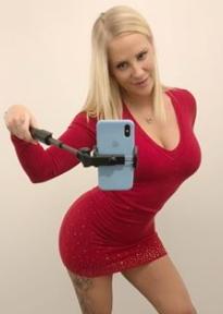Pornoseite für Lara Cumkitten